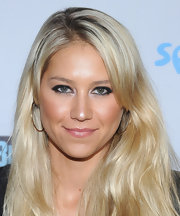Anna Kournikova looked gorgeous in sexy smoky eye makeup at the NBC Universal TCA Press Tour All-Star Party.