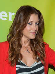 Kate Walsh topped off her look with summer-chic center-parted waves when she attended NBCUniversal's Summer TCA Tour.