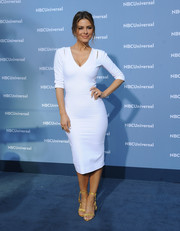Maria Menounos kept it minimal in a white Victoria Beckham sheath dress with slashed shoulders during the NBCUniversal Upfront.