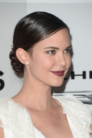 Odette Annable styled her hair into a twisted bun for the NBCUniversal Golden Globes after-party.
