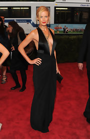 Carolyn Murphy was not afraid to show some skin on the Met red carpet in this dramatic deep-V gown.