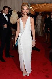 Claire Danes was a textured beauty in this white faux-wrap gown at the Met Gala.