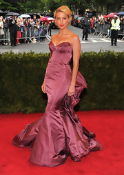 Amber Heard donned this glorious mauve mermaid gown on the Met Gala red carpet.