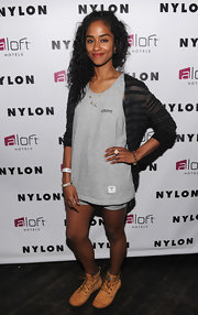 A black-and-gray striped cardigan kept Vashtie's look casual and relaxed.