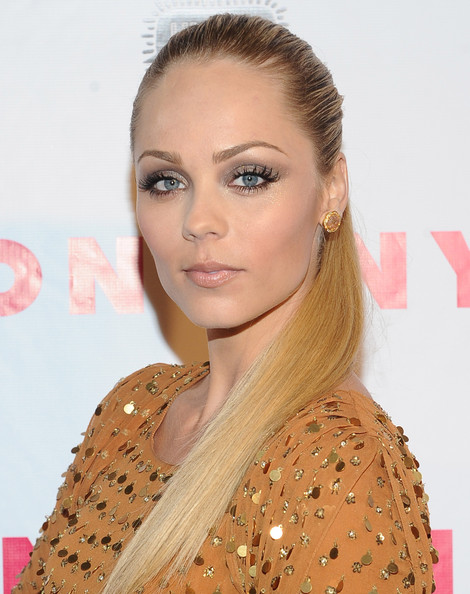 Laura Vandervoort wore her hair in a super-sleek ponytail for the 'Nylon' magazine 13th anniversary celebration.