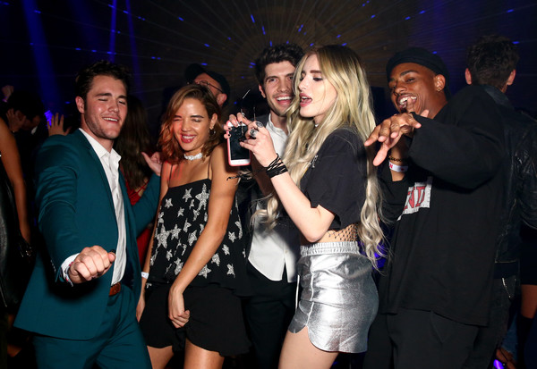More Pics of Bella Thorne Long Wavy Cut (1 of 8) - Long Hairstyles Lookbook - StyleBistro [event,nightclub,party,fun,leisure,music venue,disco,night,drink,performance,actors,chris galya,bella thorne,georgie flores,charlie depew,keith powers,nylon,l-r,los angeles,young hollywood party]