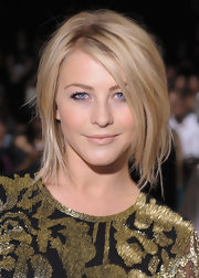 Julianne Hough opted for a short and choppy 'do to show off her textured blonde locks.