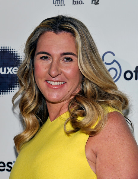 Nancy Dubuc Long Wavy Cut