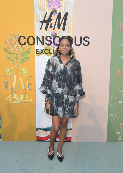 Naomie Harris Embellished Flats [clothing,fashion,footwear,yellow,street fashion,carpet,fashion design,fashion show,shoe,dress,celebrates 2018 conscious exclusive,naomie harris,john lautner,collection,los angeles,california,harvey house,h m,celebration]