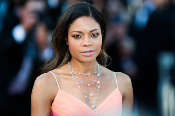 Naomie Harris Long Wavy Cut