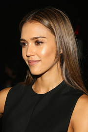 Jessica Alba showed off a glossy straight hairstyle at the Narciso Rodriguez fashion show.