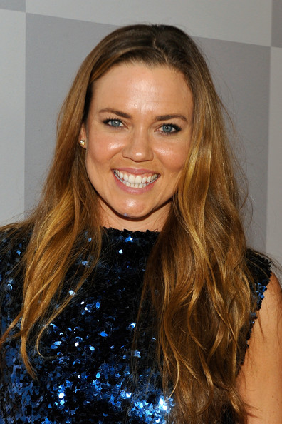 Natalie Coughlin Long Wavy Cut