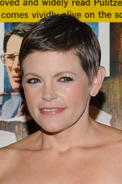 Natalie Maines Pixie [face,hair,eyebrow,hairstyle,forehead,chin,skin,nose,head,lip,gregory peck,natalie maines,honor,postal,united states,beverly hills,california,ampas,united states postal service,dedication ceremony]