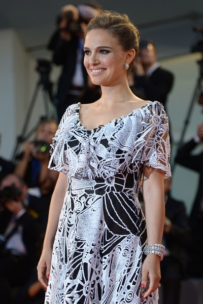Natalie Portman Diamond Bracelet [movie,fashion model,fashion,clothing,fashion show,runway,fashion design,dress,beauty,shoulder,model,natalie portman,jackie premiere - 73rd,filippo monteforte,competition,afp,venice film festival,premiere]