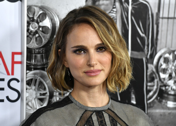 Natalie Portman Bob [hair,hairstyle,eyebrow,beauty,blond,lip,fashion,long hair,eye,fashion model,arrivals,natalie portman,tcl chinese theatre,california,hollywood,afi fest,audi,queen slim,premiere]