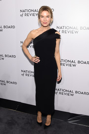 Renee Zellweger looked effortlessly chic in a black one-shoulder dress by Atelier Caito for Herve Pierre at the 2020 National Board of Review Awards Gala.