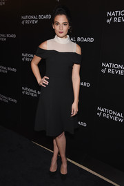 Jenny Slate opted for a black and nude cold-shoulder dress when she attended the National Board of Review Gala.