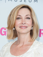 Sharon Lawrence attended the Women Making History event wearing her hair in a side-parted bob.
