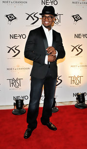 Ne-Yo showed off a dapper tuxedo blazer while hitting his 28th Birthday at Tryst nightclub.