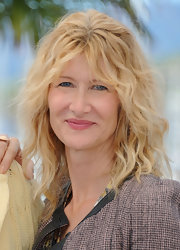 To keep her look natural and fresh-looking, Laura Dern opted for a soft nude lip color.