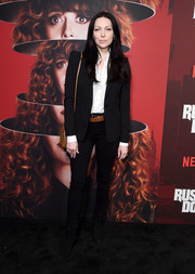 Laura Prepon kept it laid-back in black skinny jeans at the premiere of 'Russian Doll' season 1.