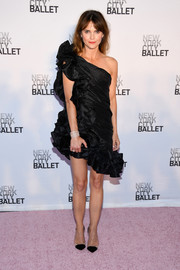 Keri Russell completed her look with black PVC pumps.