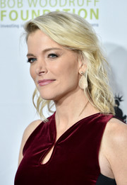 Megyn Kelly wore her hair down to her shoulders in a messy-wavy style at the Stand Up for Heroes event.