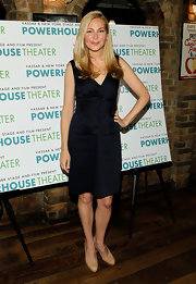 Jennifer Westfeldt went for minimalist elegance with this bow-adorned LBD at the New York Stage and Film's 2012 season launch.