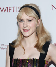 Rachel Brosnahan gave us vintage vibes with her center-parted wavy 'do at the Designing Women Awards.