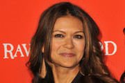 Nia Peeples Long Wavy Cut