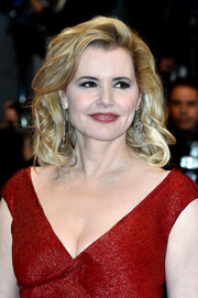 Geena Davis sported shoulder-length curls at the Cannes premiere of 'The Nice Guys.'