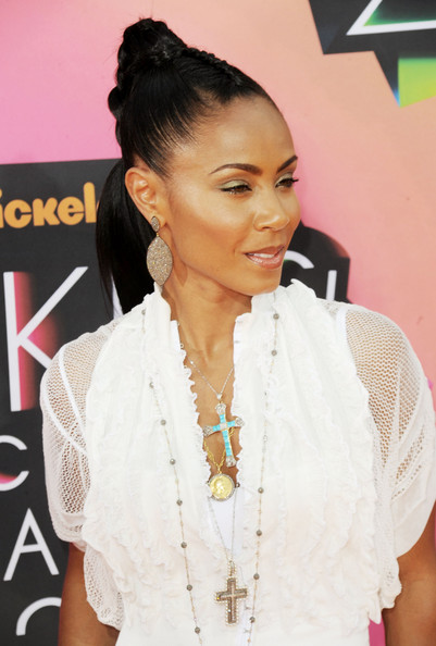 More Pics of Jada Pinkett Smith Layered Chainlink Necklaces (3 of 23) - Jada Pinkett Smith Lookbook - StyleBistro