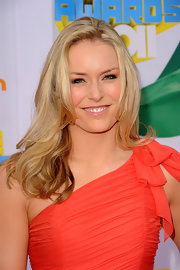 Lindsey Vonn styled her long layers in subtle curls for the 2011 Kids' Choice Awards.