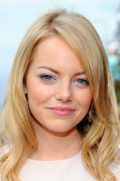 More Pics of Emma Stone Long Side Part (1 of 11) - Emma Stone Lookbook - StyleBistro