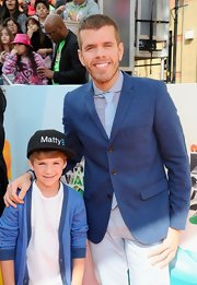 Perez Hilton looked just like a regular guy in his fitted blue jacket and tie at the Kids' Choice Awards (and we mean that as a compliment).