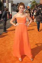 Alyson Stoner was a vision in this tangerine chiffon gown at the Kids' Choice Awards.
