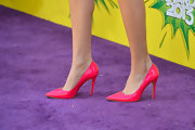 Bella Thorne chose these fuchsia pumps to add a dose of color to her silver look on the purple carpet.