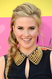 Caroline Sunshine opted for a casual but cool twisted, braided 'do at the 2013 KCAs.