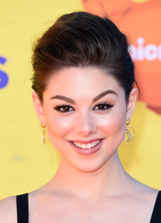 Kira Kosarin looked mature and sophisticated wearing this loose bun at the Kids' Choice Awards.