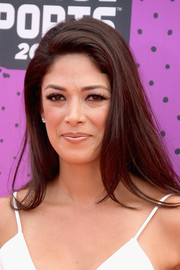 Nicole Johnson wore her hair down with a teased top when she attended the 2017 Nickelodeon Kids' Choice Sports Awards.