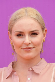 Lindsey Vonn opted for a simple center-parted ponytail when she attended the 2017 Nickelodeon Kids' Choice Sports Awards.