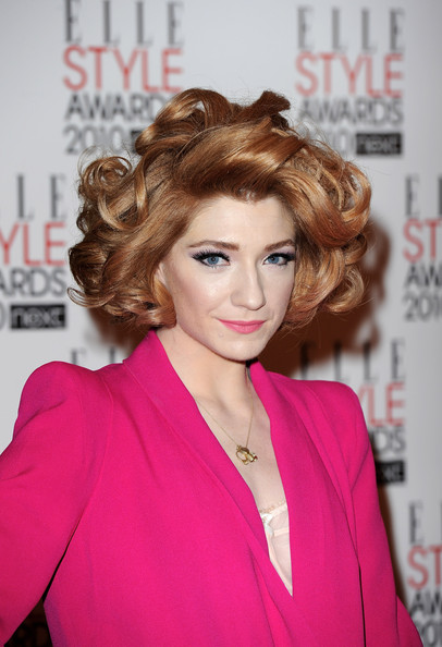 Nicola Roberts Short Curls [hair,hairstyle,face,lip,beauty,chin,hair coloring,brown hair,blond,fashion,elle style awards,london,england,grand connaught rooms,arrivals,nicola roberts]