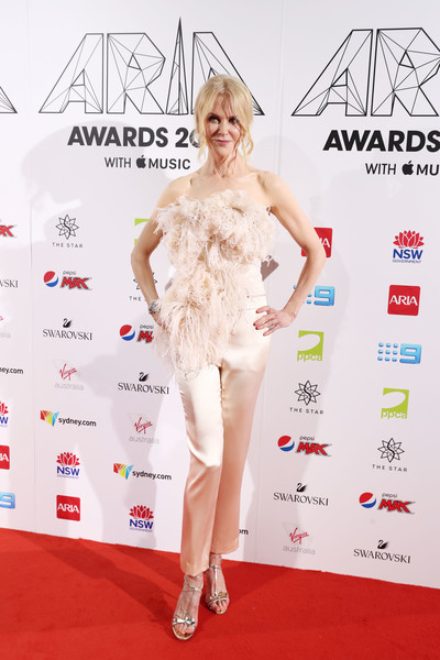 Nicole Kidman Embellished Top [red carpet,clothing,carpet,fashion model,dress,fashion,hairstyle,flooring,footwear,premiere,arrivals,nicole kidman,sydney,australia,the star,aria awards]