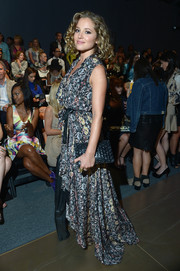 Margarita Levieva exuded a feminine vibe in a flowy floral maxi dress during the Nicole Miller fashion show.