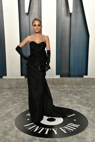 Nicole Richie Strapless Dress [black,fashion model,clothing,dress,fashion,haute couture,beauty,shoulder,gown,fashion design,radhika jones - arrivals,radhika jones,nicole richie,beverly hills,california,wallis annenberg center for the performing arts,oscar party,vanity fair,emily ratajkowski,fashion,runway,fashion show,supermodel,model,haute couture,dress,socialite,little black dress]