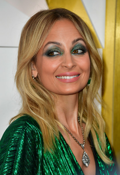Nicole Richie Long Wavy Cut