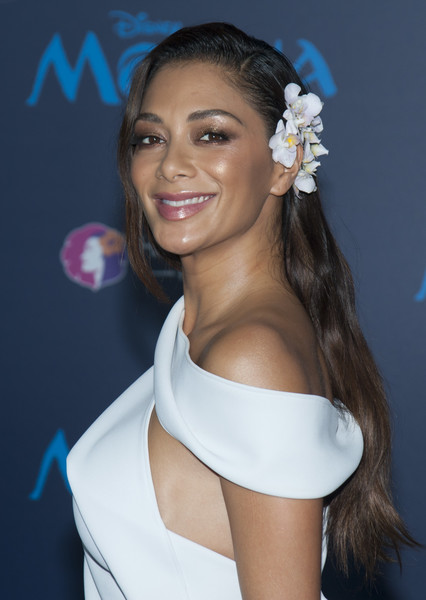 Nicole Scherzinger Long Side Part