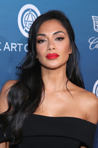 Nicole Scherzinger Long Wavy Cut [the art of elysium,hair,face,lip,eyebrow,hairstyle,skin,chin,black hair,beauty,shoulder,art of elysium presents michael muller,nicole scherzinger,heaven,california,los angeles,heaven - arrivals]