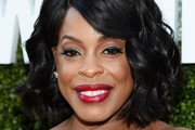 Niecy Nash Curled Out Bob