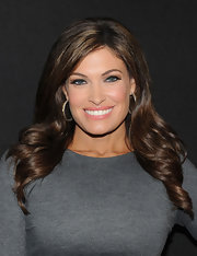 Kimberly Guilfoyle amped up the glam factor with this curly 'do at the 'A Night of Style and Glamour' event.
